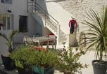 Location vacances  Charente-Maritime - Face au Soleil-1
