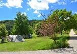 Camping avec Piscine Saint-Laurent-en-Beaumont - Camping Champ La Chevre-3