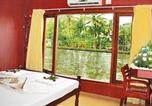 Hôtel Alleppey - 1-Br houseboat in Alappuzha, by Guesthouser 4356-1