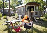 Camping Allonnes - Village Huttopia Lac de Rillé-4