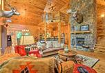 Location vacances Miami - Secluded Modern Cabin, about 25 Mi to Bentonville!-4