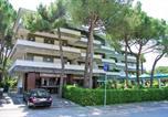 Location vacances  Province d'Udine - Apartment in Lignano 40907-1