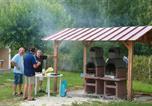 Camping avec Site nature Pujols - Domaine du Lac de Neguenou-3