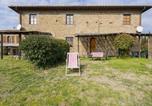 Location vacances Montespertoli - Cosy Apartment in Montespertoli-Firenze with Pool-1
