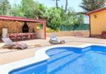 Location vacances Puig Ventós - Holiday Home farigola-1