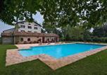 Location vacances  Province de Padoue - Rovolon Villa Sleeps 12 Pool Air Con Wifi-4