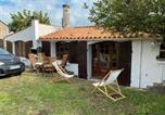 Location vacances Longeville-sur-Mer - La Villa Santa Barbara ( proche plage )-1