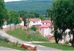 Location vacances La Capelle-Balaguier - Holiday Home Le Domaine Des Cazelles Cajarc Iii-2