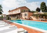 Location vacances Capannori - Amazing villa in Segromigno in Monte w/ 4 Bedrooms, Jacuzzi and Wifi-1
