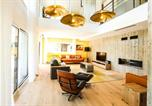 Hôtel 4 étoiles Aéroport d'Annecy - Le Kube Annecy centre Villas Prestige-1