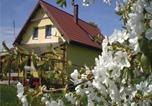 Location vacances Chełmno - Four-Bedroom Holiday home Chelmno with a Fireplace 07-4