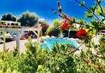 Location vacances Florinas - Apartment with 3 bedrooms in Sorso with shared pool enclosed garden and Wifi 2 km from the beach-2