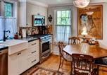 Location vacances New London - Country Home next to Covered Bridge-4