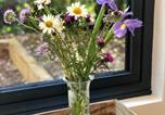 Location vacances Chiddingly - Alfriston Woodland Cabins - Badgers Rest dogs-2
