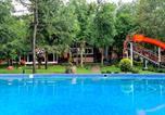 Hôtel Moldavie - Sky Land Camping & Resort-3