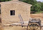 Location vacances Charleval - Campagne Bastide Bellugue-1