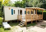 Camping avec Piscine Narbonne - Homair - Camping Le Val de Cesse-3