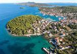 Location vacances Kukljica - Beachfront 5br Home Victoria-3