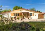 Location vacances Lachapelle-Auzac - Sunlit Bungalow with Private Pool in Nadaillac-de-Rouge-2