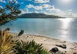 Location vacances Hamilton Island - Yacht Club 19 Villa Bijou De Mer Ocean Front Private Pool 2 Buggies-2