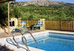 Location vacances Moraleda de Zafayona - House with 2 bedrooms in Montefrio with wonderful mountain view private pool enclosed garden 80 km from the slopes-2