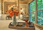 Location vacances Huntsville - Romantic Tree House Cottage - Minutes to Mentone!-3