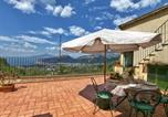 Location vacances  Ville métropolitaine de Naples - Elegant Sea View Farmhouse in Sant'Agnello-1