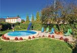 Location vacances Matulji - Three-Bedroom Holiday Home in Kastav-1