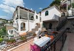 Location vacances  Ville métropolitaine de Naples - Holiday home Via Villazzano-4