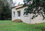 Location vacances Lunel - Three-Bedroom Holiday Home in Villetelle-1