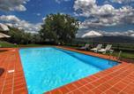 Location vacances Bucine - Spacious Holiday Home with Large Garden in Pergine Valdarno-1