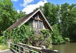 Location vacances  Nièvre - Peaceful Holiday Home in Burgundy, next to River-1