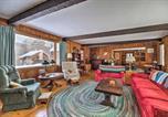 Location vacances Springfield - Chester Farmhouse on 100 Acres, 15 Min to Okemo!-4