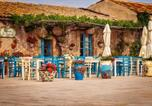 Location vacances  Province de Raguse - Holiday home Via Attilio Bosisio-3