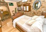 Location vacances Fabero - House with one bedroom in San Juan de la Mata with Wifi-2