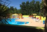 Camping avec Piscine Montblanc - Camping Les Berges du Canal-2