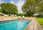 Location vacances Bassussarry - Country House with Character, Pool, Fireplace, and Garden-2
