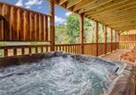 Location vacances Gatlinburg - Smoky Mountain Dream, 5 Bedroom, Pool Table, New Construction-2
