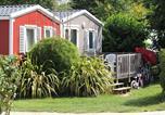 Camping avec Piscine couverte / chauffée Annoville - Camping Domaine de la Ville Huchet-4