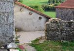 Location vacances  Aveyron - Maison de Campagne sur le Larzac-1