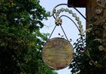 Location vacances Saint-Pierre-la-Palud - Auberge les Tables du Ban-1