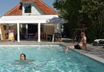 Camping avec Piscine couverte / chauffée Châtillon - Camping La Saline-1