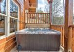 Location vacances Gatlinburg - Gatlinburg Escape, 5 Bedrooms, Hot Tub, Arcade, Game Room, Sleeps 16-2