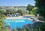 Location vacances Petritoli - Family Villa with swimming pool near to the beach-3