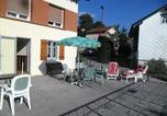 Location vacances  Vosges - Studio in Gerardmer with wonderful lake view furnished garden and Wifi 1 km from the slopes-2