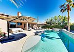 Location vacances Thousand Palms - Palm Desert 4br 3ba Opulent Retreat With Pool & Jacuzzi Home-2