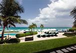 Location vacances West Bay - South Bay Beach Club Villa 2-2