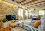 Location vacances A Lama - Arcade Villa Sleeps 2 Pool Wifi-4