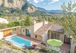 Location vacances  Drôme - Four-Bedroom Holiday Home in Chatillon en Diois-1