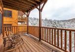 Location vacances Gatlinburg - Majestic Manor, 3 Bedrooms, Mountain View, Theater Room, Hot Tub, Sleeps 10-1